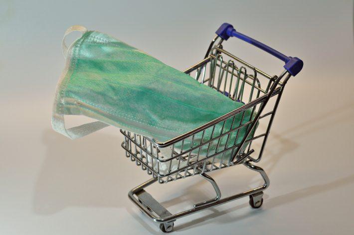 Einkaufen mit Mundschutz